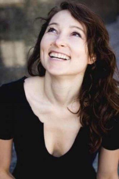 Janina Elkin: 10 Facts on The Queen's Gambit Actress