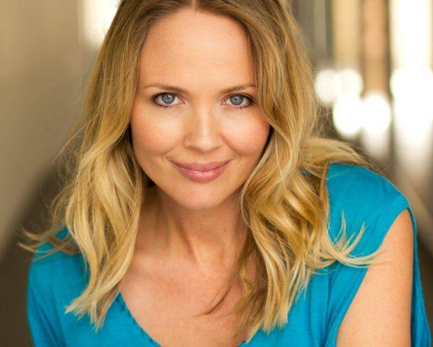 Lara Cox Australian Actress