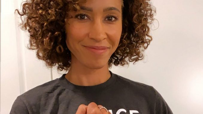 Sage Steele Panama Canal Zone Anchor, Host
