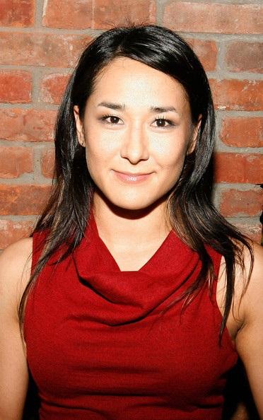 Jennifer Ikeda Age: 10 Facts On Dash & Lily Actress