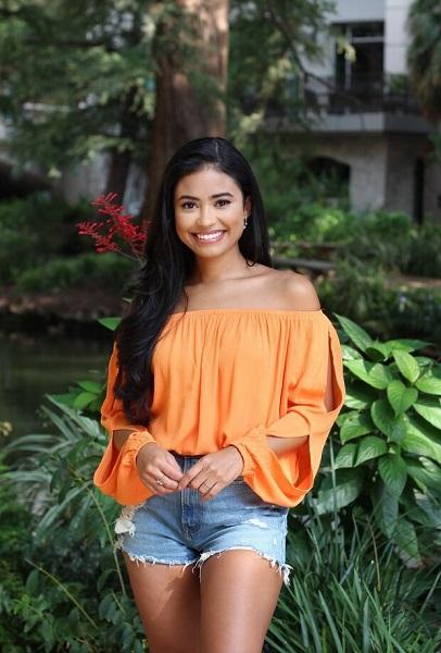 Jessenia Cruz: Everything To Know About Matt James' Bachelor's Contestant