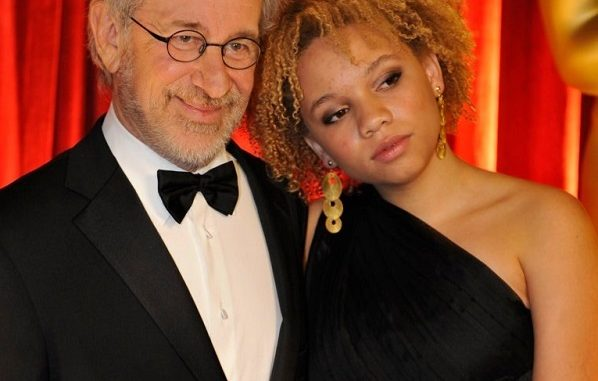 Mikaela Spielberg Age, Wiki, Boyfriend: Facts On Steven Spielberg's Daughter