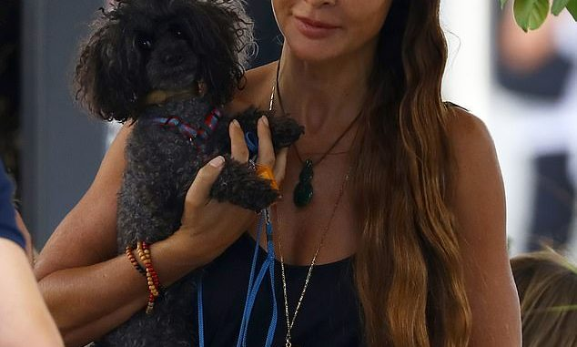 Nicola Robinson Age, Height: Pete Evans Model Wife And Instagram