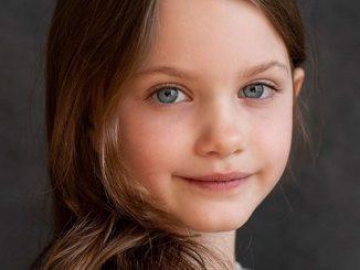 Caoilinn Springall Age: 10 Facts On The Midnight Sky Actress