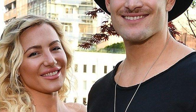 Conrad Louis Net Worth: Meet Hayley Paige Husband