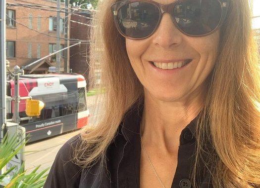 Jennifer Vallance: Meet Actress From Hallmark Christmas Carousel 2020
