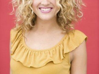 Katelyn Epperly: A California Christmas Actress Was On American Idol Season 9