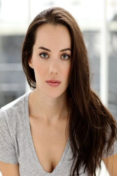 Malone Thomas Instagram Bio: Meet Actress From My Sweet Holiday