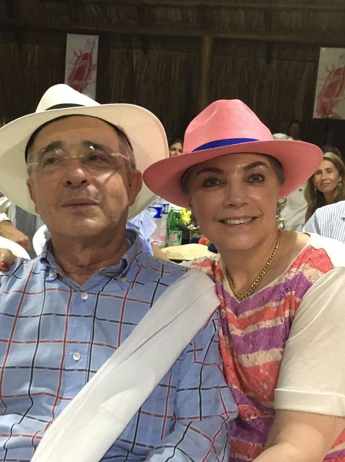 Alba Lucía Anaya: Carlos Holmes Trujillo Wife And Family Facts To Know