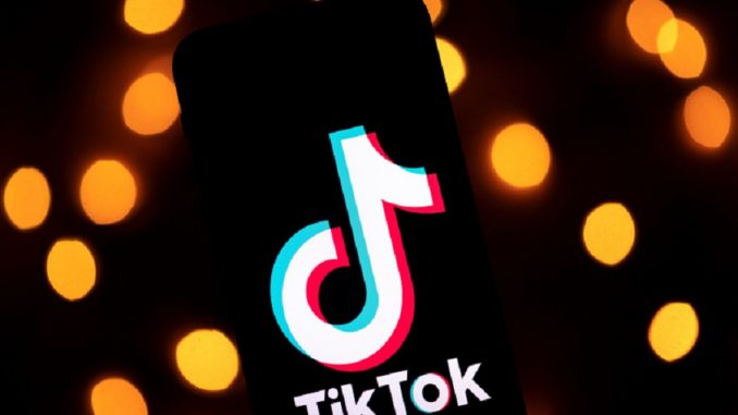 TikTok: Does Vitamin C Boost Your High? Vitamin C Before Smoking Weed Video and Reactions