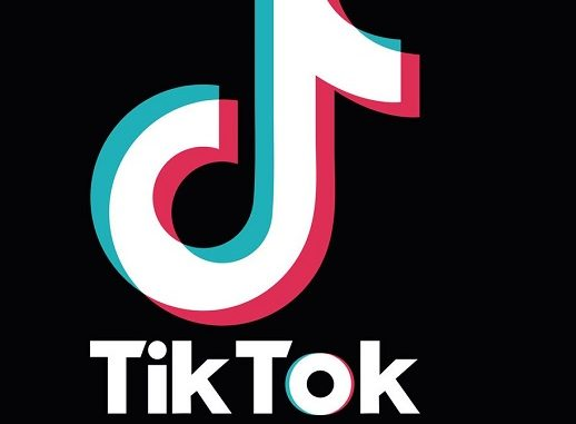'You Give Me Butterflies' TikTok Song and Lyrics Explained: Amo A Mis