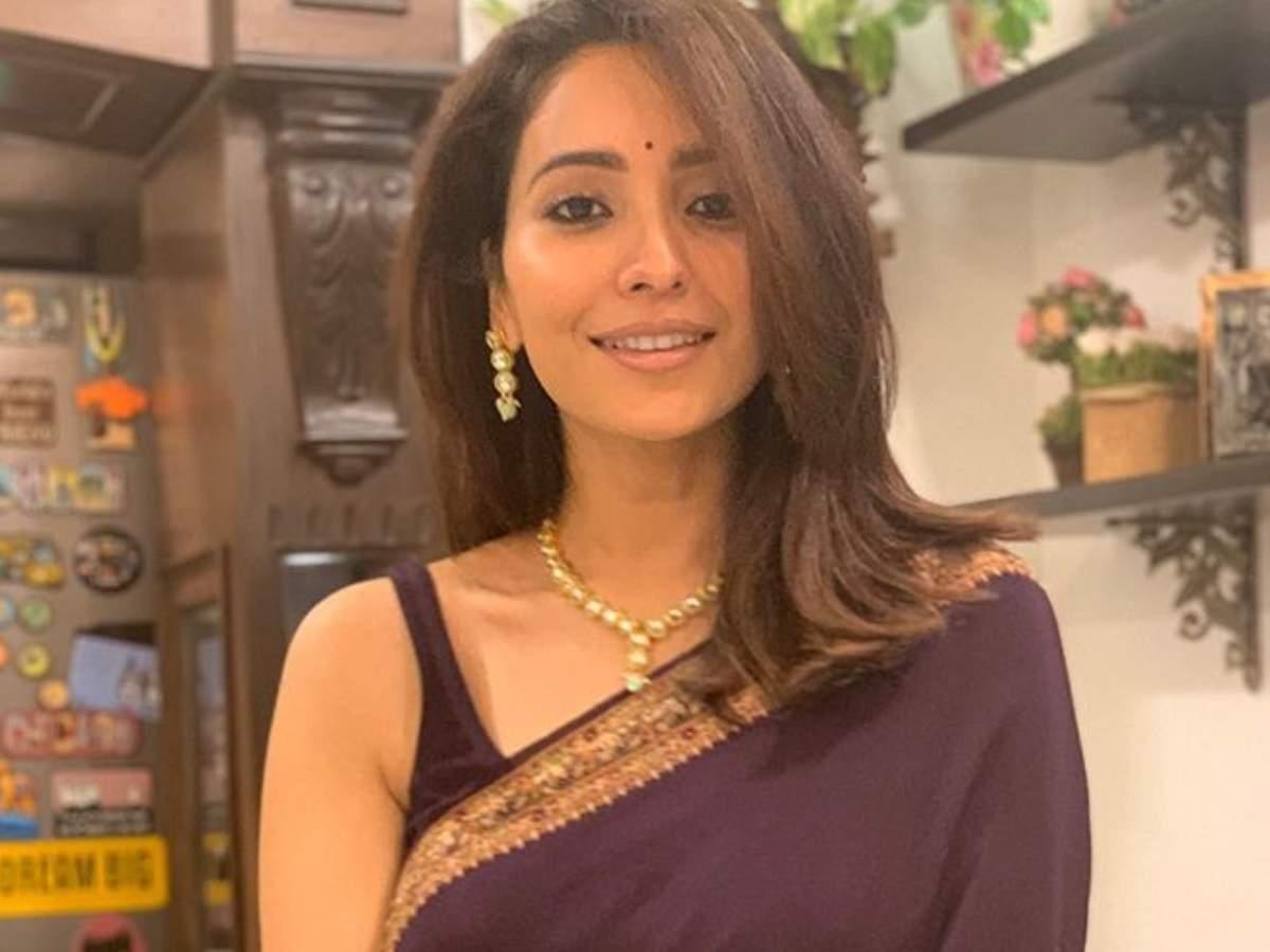 Asha Negi Indian Actress