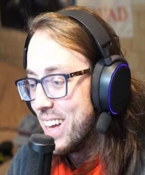 Who Is BobbyPoff Twitch? Girlfriend And 10 Facts To Know