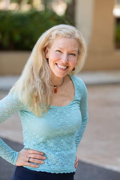 Kirsten Liegmann: Meet Late Actvist Rennie Davis Wife And Family