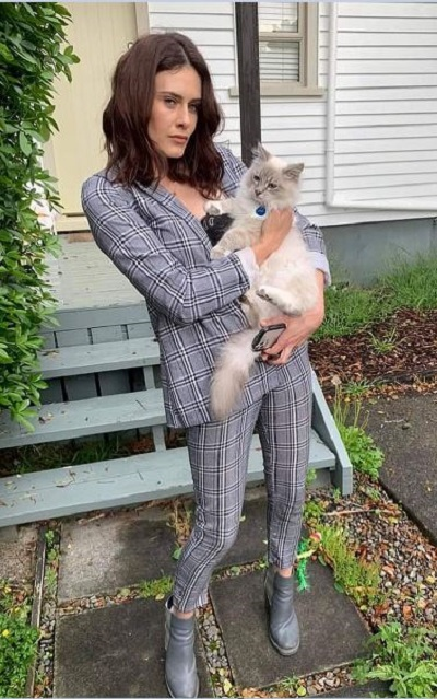 Who Is Jess Sayer Runaway Millionaires? Age, Boyfriend And Instagram