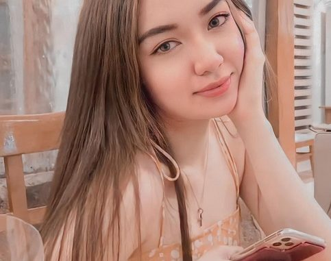 Andrea Angeles Age: How Old Is She?