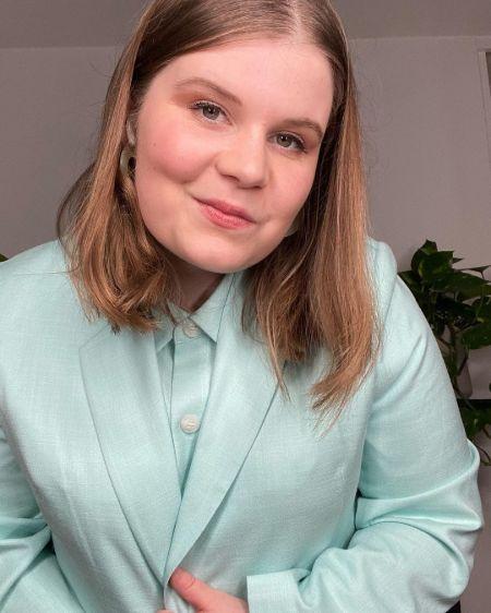 Eliot Salt British Actress