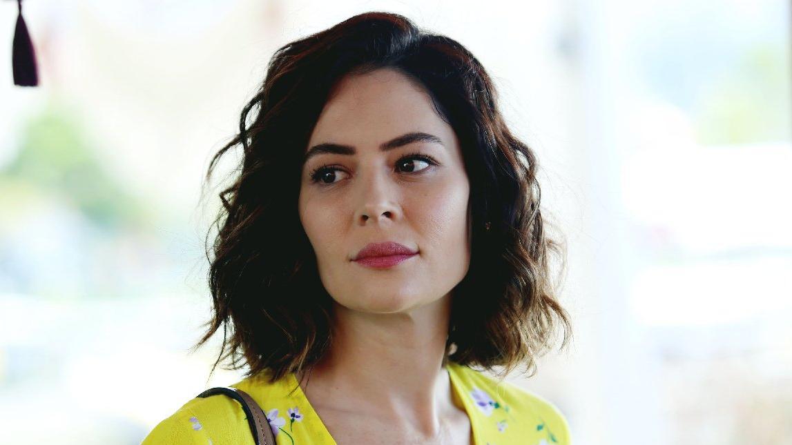 Yildiz Çagri Atiksoy Turkish Actress