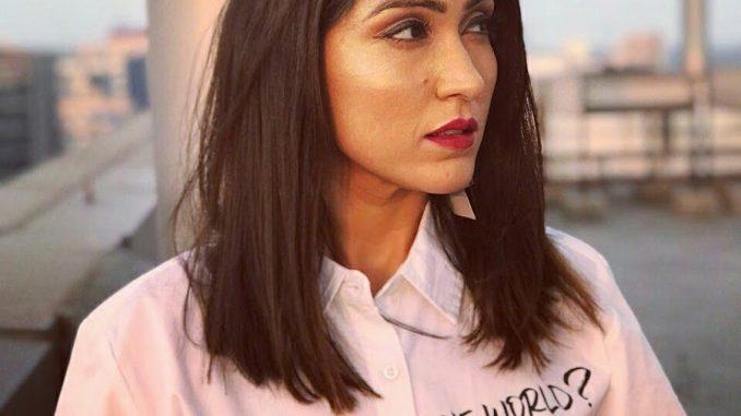 Shibani Bedi Indian Actress