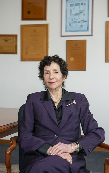 Who is Judge Sandra Feuerstein? Florida Crash And Family Wiki