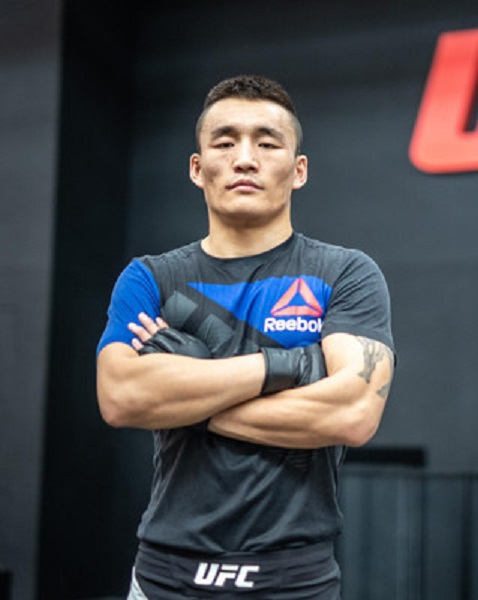 Qileng Aori Wikipedia Age: How Old Is MMA Fighter?