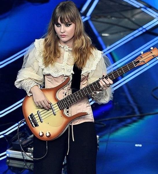 Who is Victoria De Angelis Dating? Wiki Details On Maneskin Bassist