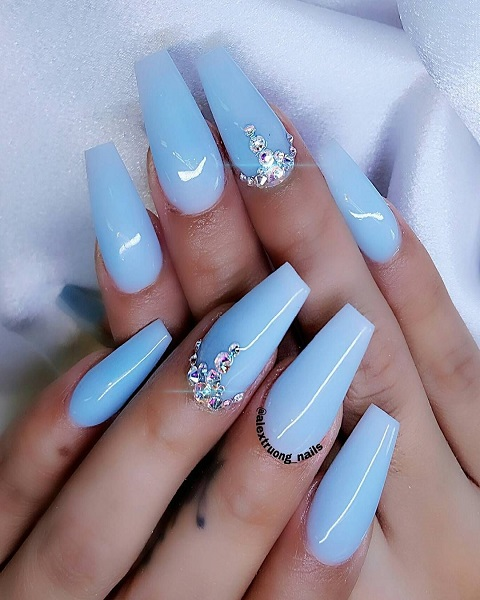 Light Blue Nails Meaning TikTok – What Does The Nail Polish Mean?