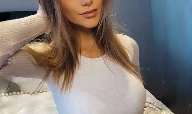 Alex Ann Lavigne-Pelletier