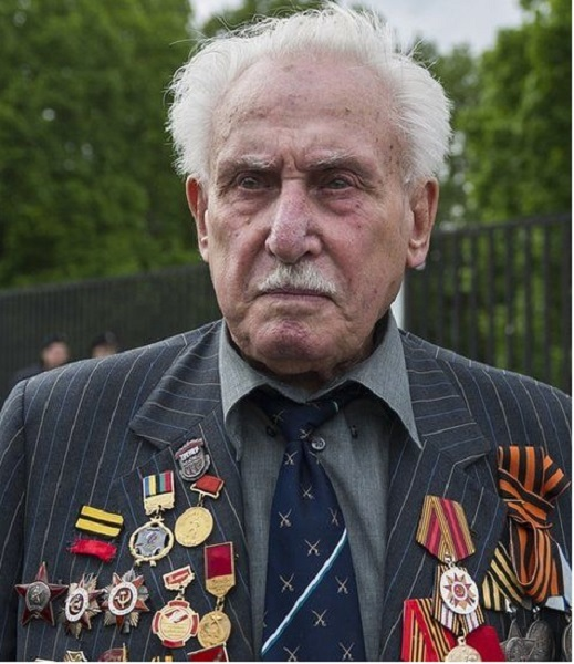 Who Is David Dushman? Everything On Last Surviving Liberator Of Auschwitz