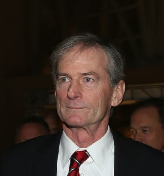 Chicago Blackhawks Announcer Pat Foley Is Retiring – Everything On His Wife And Family
