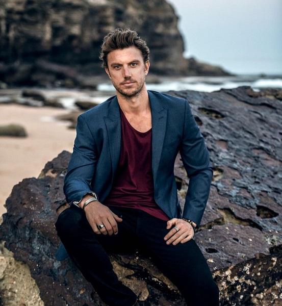 Adam Demos Gay Rumors – Is Adam Demos Dating Sarah Shahi?