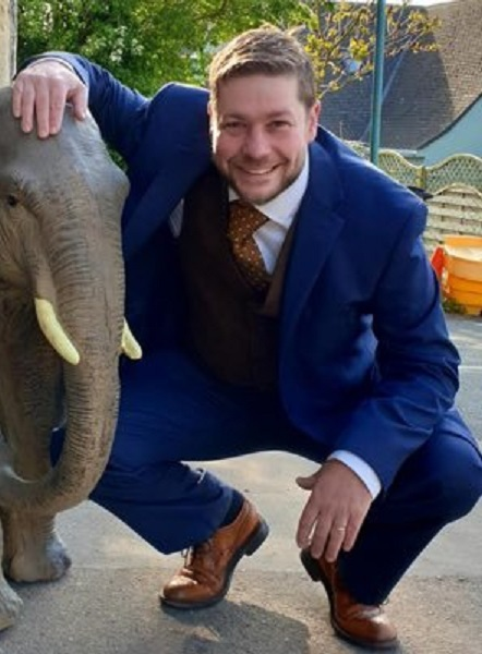 Angus Ashworth Auctioneer Partner And Wiki – Everything To Know