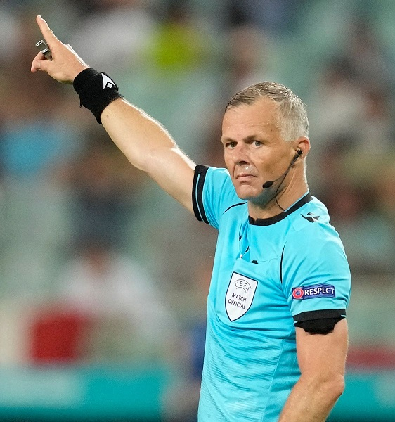 Euro 2020 Final Referee Bjorn Kuipers Is A Millionaire – Here's His Net Worth Value