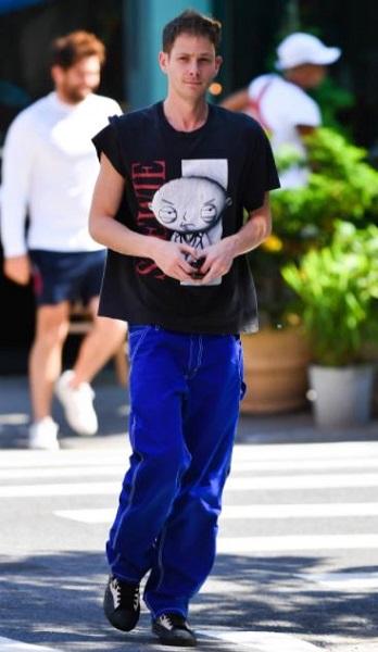 Bella Hadid New Boyfriend Marc Kalman Is A Creative Director – Find Him On Instagram