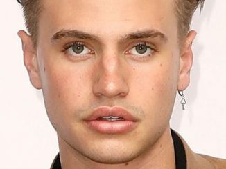 Daniel Mickelson Sexuality: Was He Gay? Know His Boyfriend Or Girlfriend Name