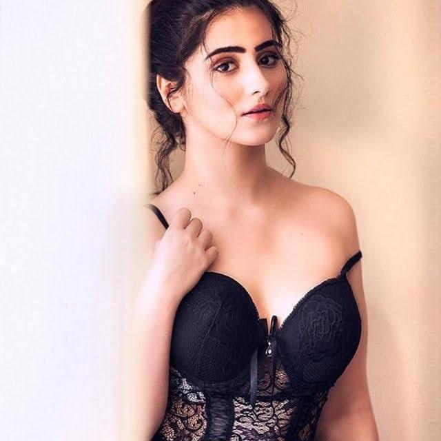 Diana Khan 9