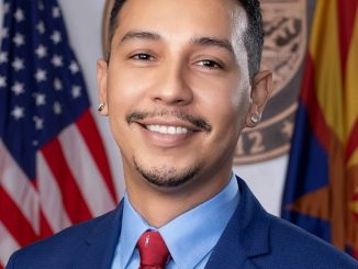 Fact Check – Is Tony Navarrete Gay? More On His Family