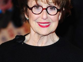 Una Stubbs Apparently Had An Affair With Cliff Richard – A Relationship Timeline