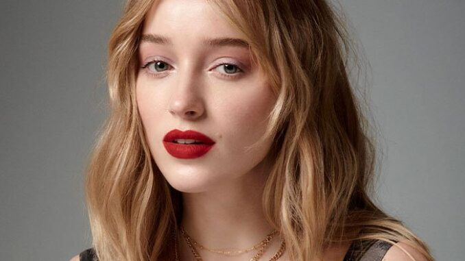 Phoebe Dynevor - Biography, Height & Life Story
